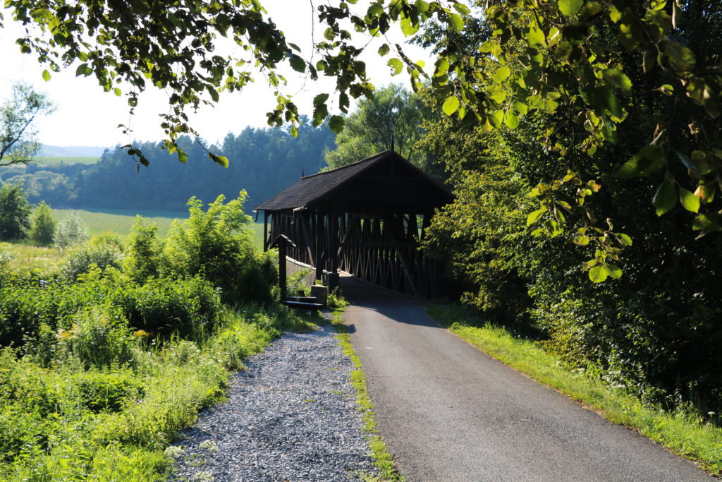 Kluknavský most