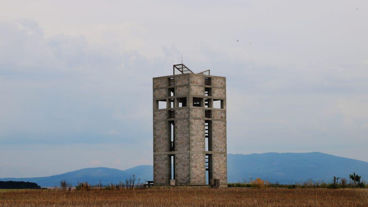 Čerešenka: nejkrásnější rozhledna ukrytá vpolích