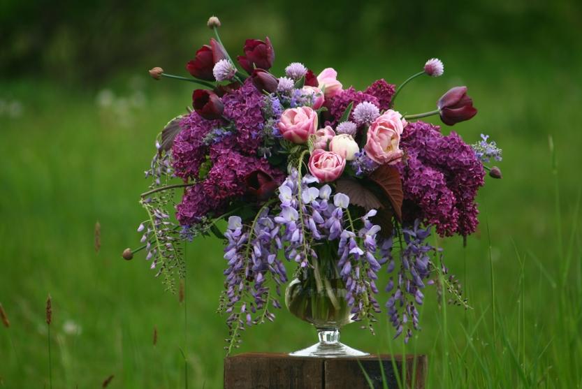 Moderní květinářství: kytice z lokálních květů